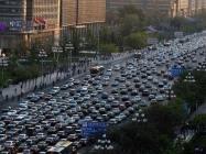 Dünyanın en uzun süren trafik sıkışıklığı 12 gün sürdü, 100 km kuyruk oluştu ve araçlar günde 1 kilometre ilerleyebildiler.