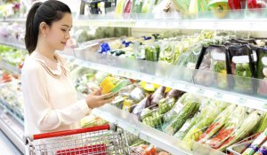 Healthy foods making you fat woman shopping