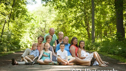 Family Portraits in the Park | The Johnsons