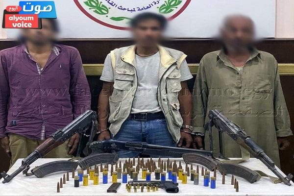 ضبط 94 بندقية خرطوش بحوزة إثنين من العناصر الإجرامية بمطروح