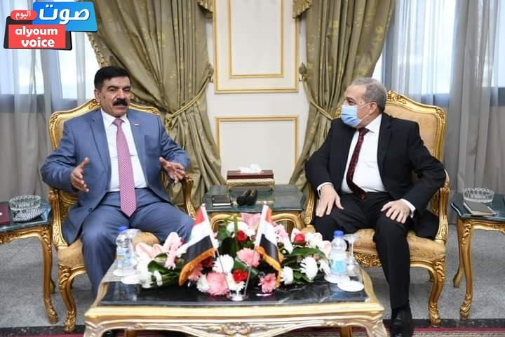 """""""وزير الدولة للإنتاج الحربي"""" و""""وزير الدفاع العراقي"""" يتفقدان مصنعيّ (200 و 300) ويناقشان سبل التعاون"""