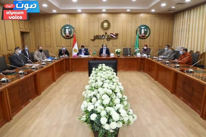 السكرتير العام يعقد اجتماعاً تنسيقياً للوقوف على اخر المستجدات لاستكمال جراج متعدد الطوابق بشبين الكوم
