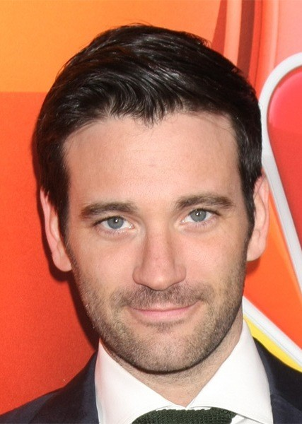 Colin-Donnell-Short-Straight-Hairstyle Most Coolest And Hottest Formal Haircuts For Men