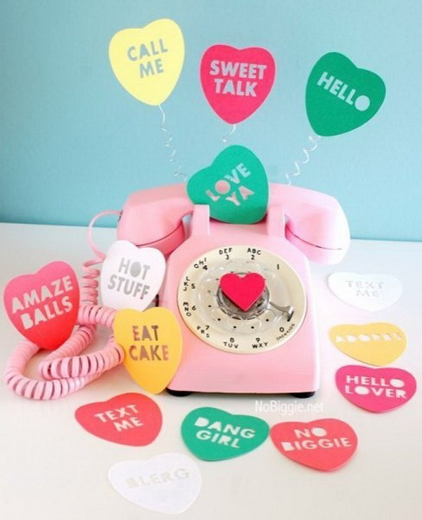 Conversation-Heart-Rotary-Phone Sweet DIY Valentine's Day Decoration Ideas