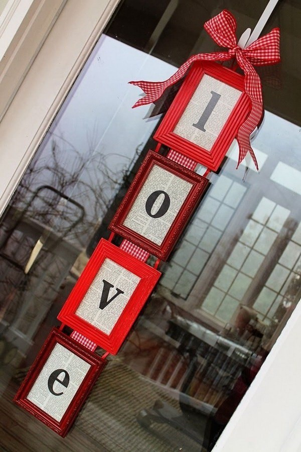 DIY-Valentine's-Day-Door-Hanger Sweet DIY Valentine's Day Decoration Ideas