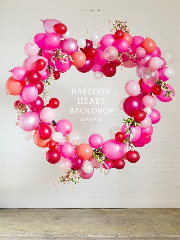 Valentine's-Day-Heart-Balloon-Wreath Sweet DIY Valentine's Day Decoration Ideas