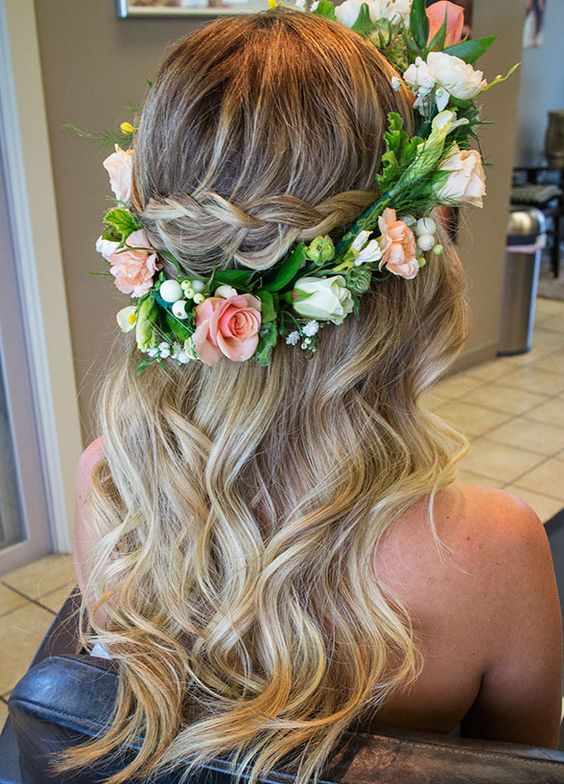Bridal-Hair-Ideas-To-Look-Fabulous-005-ohfree.net_ Bridal Hair Ideas To Look Fabulous On Your Wedding Day