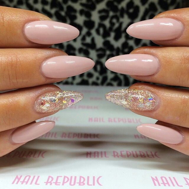 Pastel-pink-nails-with-glitters Perfect Ideas for Pink Nails to Finish Feminine Look