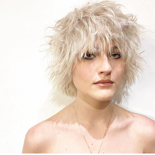 Short-Layered-Hairstyles-for-Thin-Hair-7 Beautiful Short Layered Hairstyles for Thin Hair in 2020