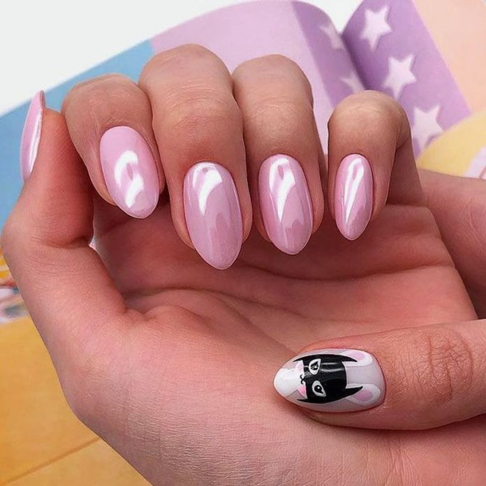 accent-nails-easy-ways-mani-black-cat-art 2020 Fantastic Nail Design Ideas with Simple Accents