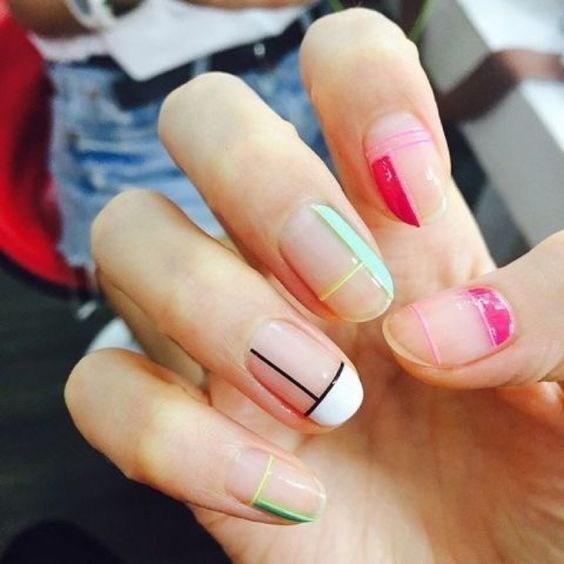 22-abstract-nail-art-ideas Cool Abstract Nail Art Ideas