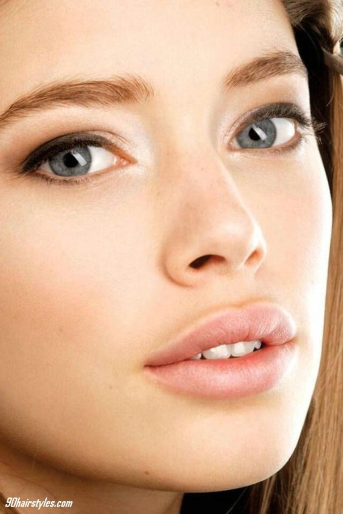 3-Formula-Moisturizing-oil-skin-1 6 Steps to Apply Makeup for Beginners
