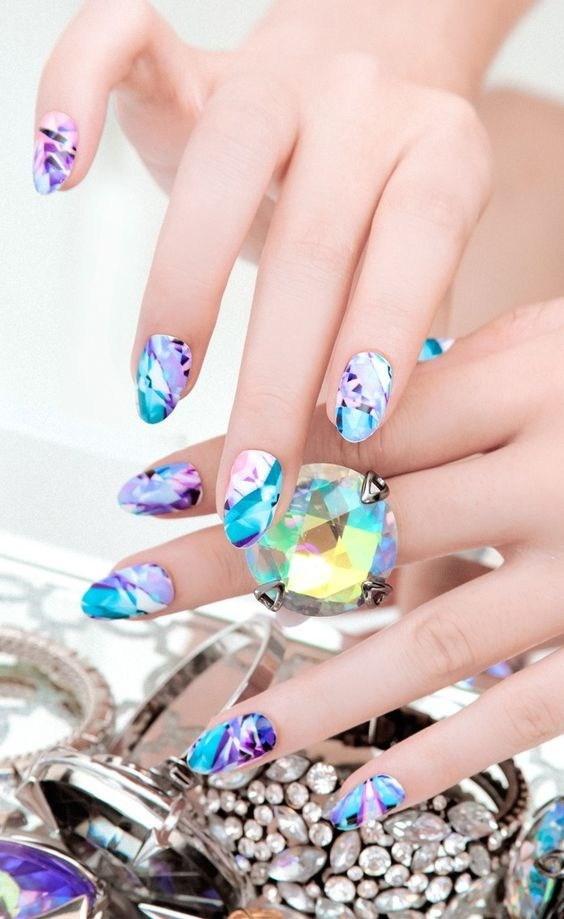 35-abstract-nail-art-ideas Cool Abstract Nail Art Ideas