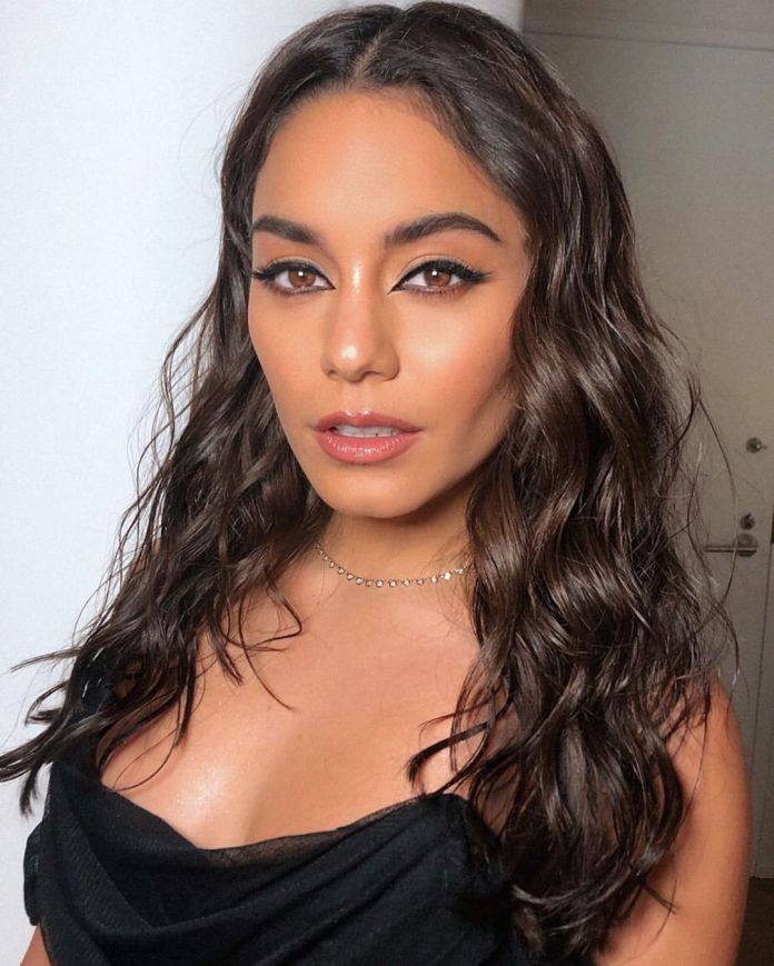 Glossy-Summer-Waves 10 Biggest Summer Hair Trends of 2020