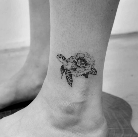 Meaningful-and-Inspirational-Small-Tattoos-for-Women-24-1 24 Meaningful and Inspirational Small Tattoos for Women