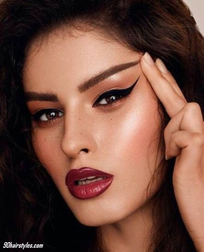 Straight-thick-eyebrow-1 6 Steps to Apply Makeup for Beginners