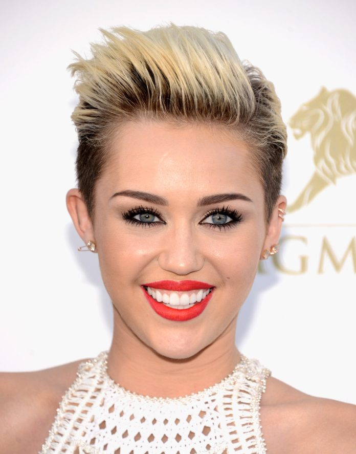 miley-cyrus-long-on-top-pixie 35 Perfect Pixie Haircuts You Need to Try Immediately