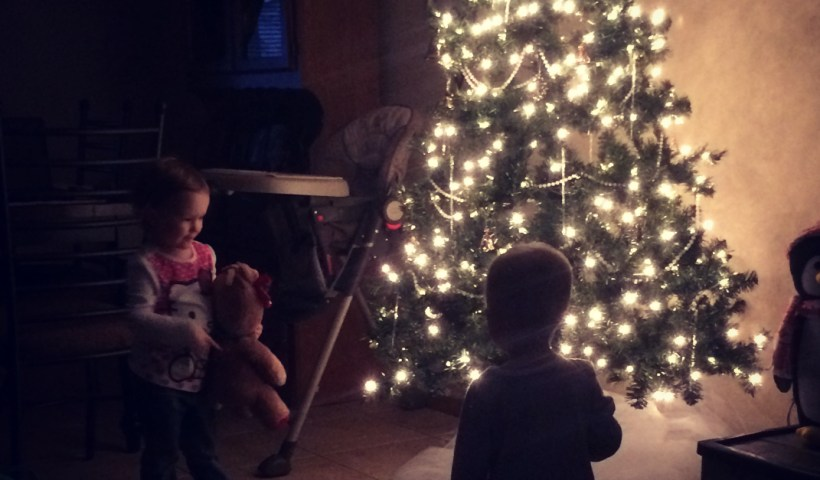 Holiday Joy or Holiday Stress? 4 Practical Ways to Choose Joy This Christmas | alyssajhoward.com