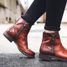 FRYE BOOTS - Veronica Seam Short; Source: instagram.com