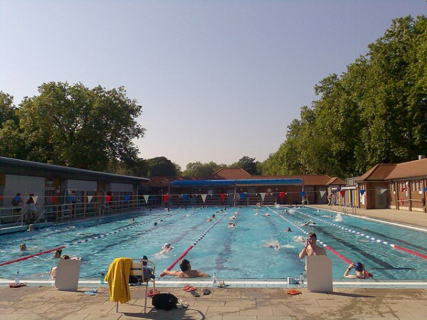 London fields Lido, summer love, London