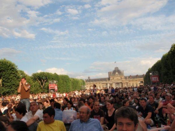 Champ de mars, Paris, Jour de la Bastille, all nighter in Paris