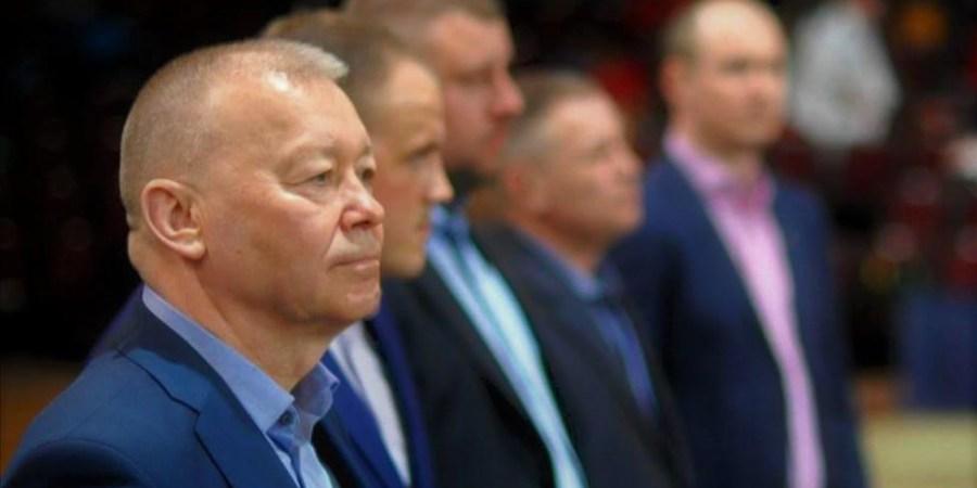 Vyriausioji tarnybinės etikos komisija nustatė, kad Alytaus miesto meras V. Grigaravičius bei savivaldybei priklausančio Alytaus sporto ir rekreacijos centro direktorius T. Stupuris tarnybiniu transportu naudojosi netarnybinei veiklai
