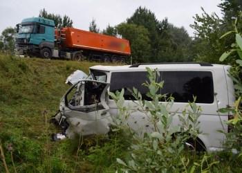 """""""VW Transporter"""" automobilio vairuotojas dėl daugybinių traumų išvežtas į Kauno klinikas"""