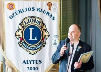 """A. Stasiukynas eiti vadovaujamas pareigas  pakviestas visos šalies mastu –  tapo šalies """"Lions"""" klubų valdybos nariu bei pradėjo vadovauti """"Lions"""" organizacijos jungtinei zonai, kuriai priklauso Alytaus, Druskininkų, Jurbarko, Marijampolės ir Šakių klubai"""