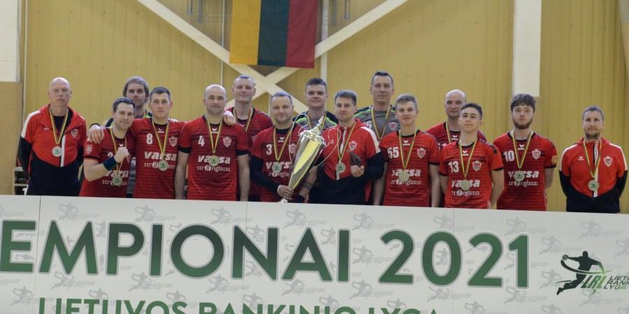 """Alytaus """"Varsos-Stronglaso"""" rankininkai, šiemet patekę į Baltijos lygos finalo ketvertą, šį sezoną vainikavo Lietuvos rankinio lygos sidabru.  LRL nuotr."""