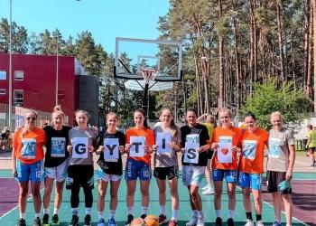 Tokią dedikaciją G. Andrijauskui jo atminimo turnyre skyrė Alytaus moterų krepšinio klubas RKL