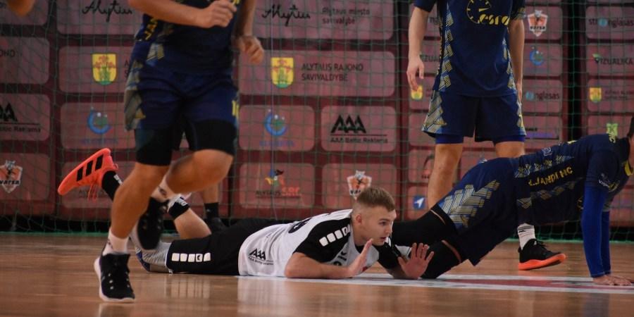 Rezultatyviausias alytiškių komandos naujojo sezono  rankininkas N. Buronko. Dalijos Lipskos nuotr.