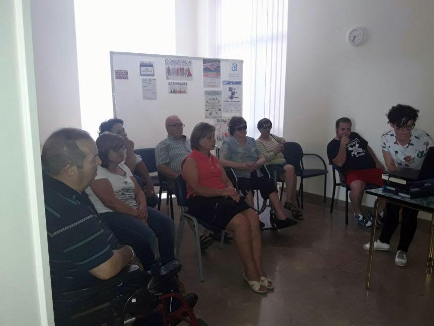 Taller movilizaciones asociación alzheimer Bigastro