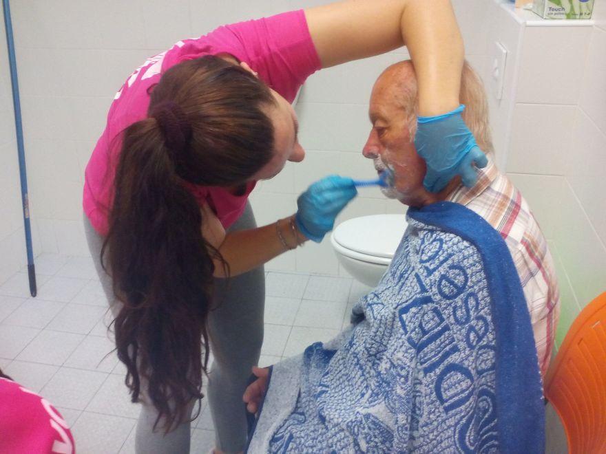 La Asociación de Alzheimer de Bigastro próximamente contará con un nuevo servicio de higiene integral.
