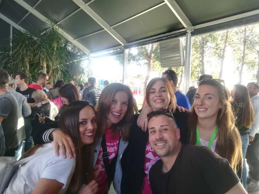 Voluntarios disfrutando en la V Movida Solidaria Alzheimer Bigastro