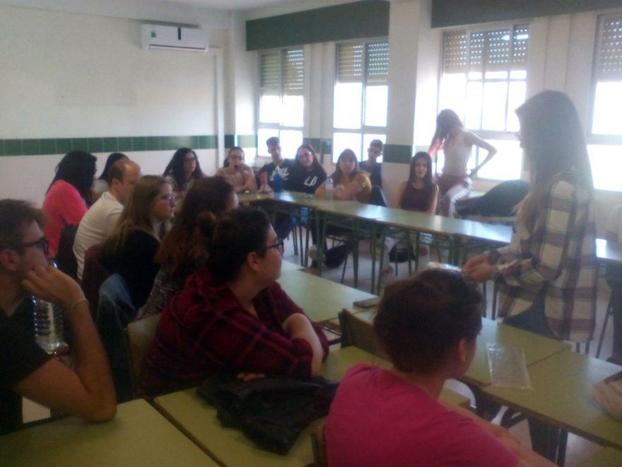 Charla alumnos IES Gabriel Miró sobre Alzheimer Bigastro