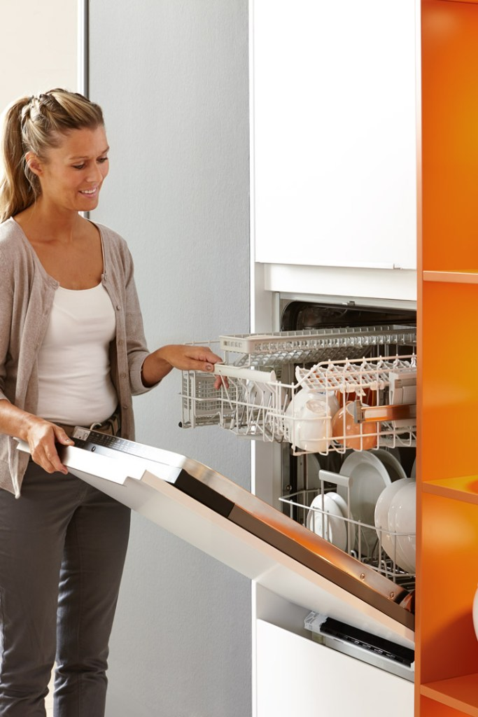 lave vaisselle sur-élevé cuisine îlot sans poignée laque mate