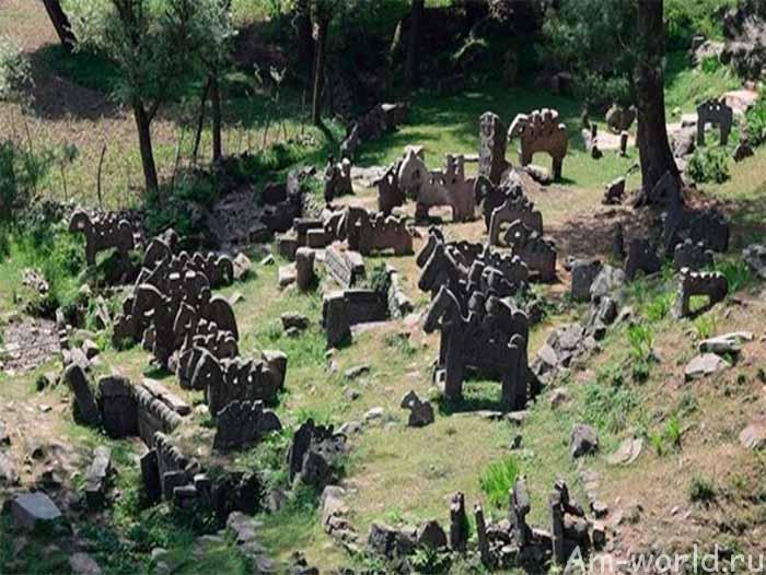 Каменное войско в Гималаях
