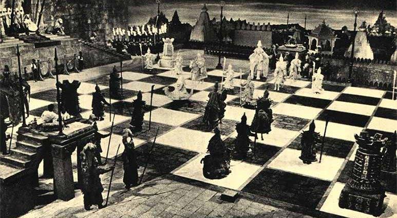 Живые шахматы жестокой инквизиции