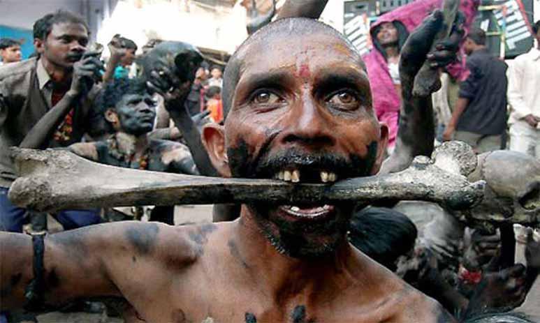 Каннибализм в племени теперь просто шоу