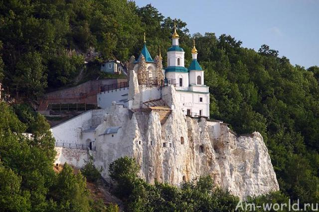 Святогорская лавра: чудотворные святыни обители