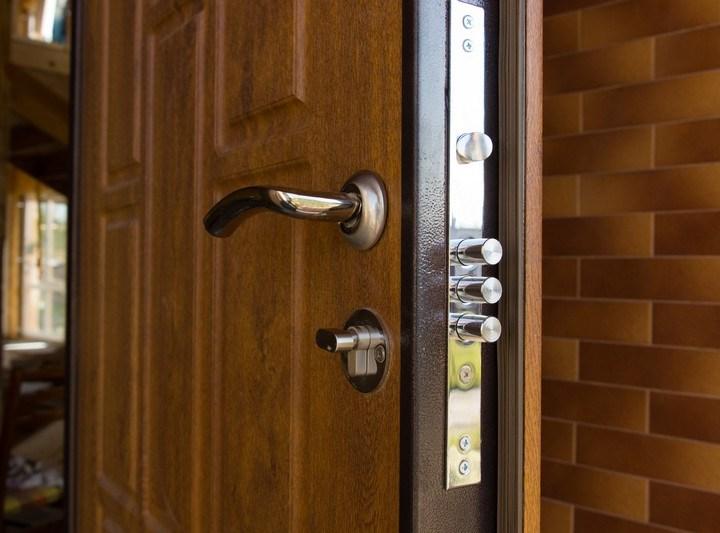 Защитные двери - ненужные расходы или необходимость