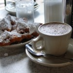 Image of coffee and beignets at Cafe du Monde