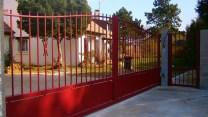 AMA-Aico-portail-portillon-rouge
