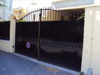 portail_automatique_battant_et_cloture_noir