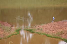Fly fishing at the dam - Inkungu Estate Cottage 13 (Guineafowl Rest)