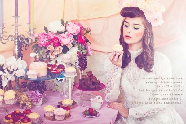 Amalija Andersone foto romantiskā fotosesija ar kūkām un kleitām