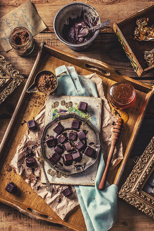 Topi Vesels ar mājas ēdienu Pavārgrāmata Amalija Andersone ēdienu fotogrāfs
