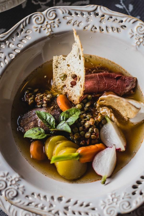 ēdienu foto Amalija Andersone Mazmežotnes muiža