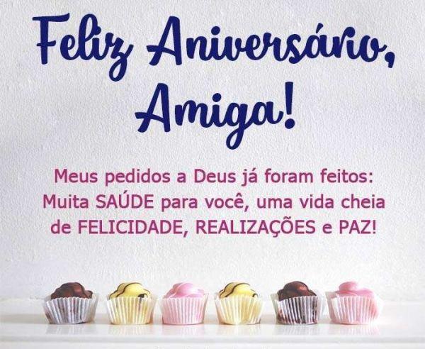 Feliz aniversário para amiga com felicidade, realizações e paz