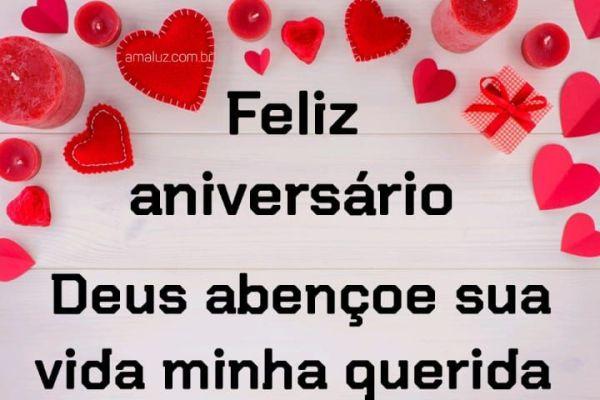 Feliz aniversário Deus te abençoe sua vida minha querida
